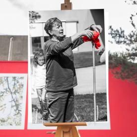 Faccia da libro Emanuela Bussolati Muro Rosso di Piazza dell'Immaginario Macrolotto Zero, Prato